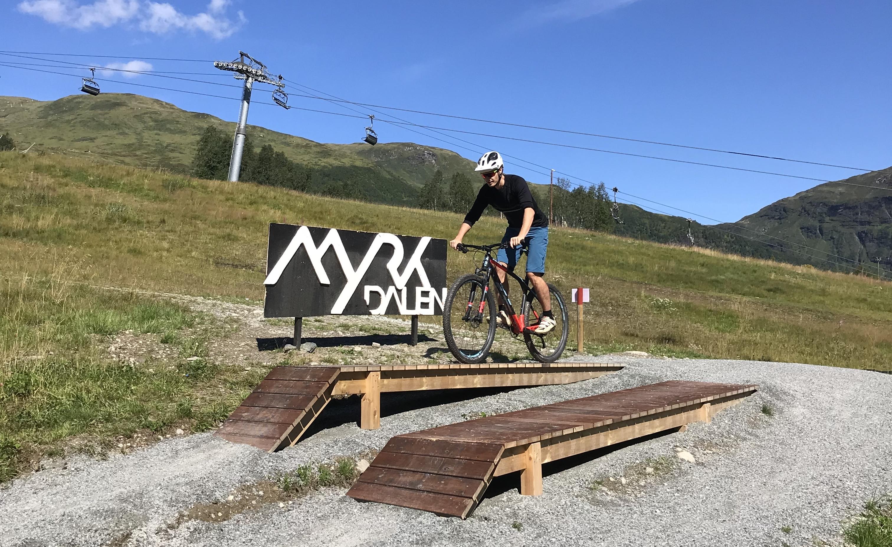 Sykkel i Myrkdalen